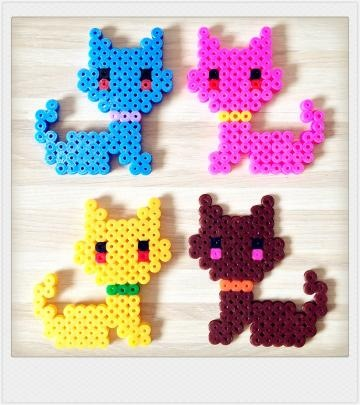 Pyssla bead multiple color kitty bubble charm