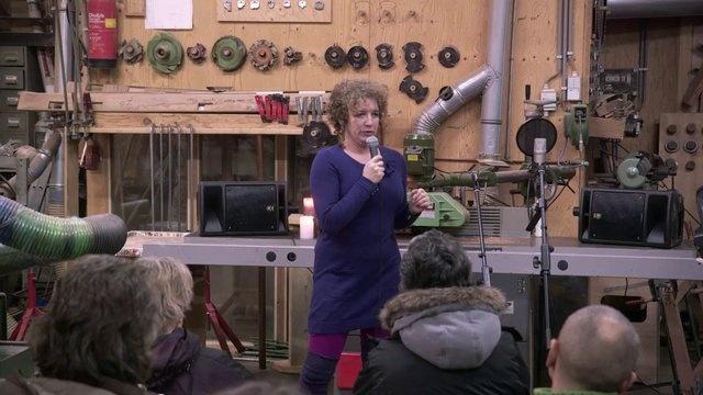 Het persoonlijke verhaal van Donna Schaap tijdens het InspiratiePodium Arnhem #12 . Zij vertelt over de achterkant van haar CV. De muziekimprovisatie is van Sharon Stewart. Gefilmd door Alain Baars. We zijn te gast bij Bouwbedrijf Fred Mensink.