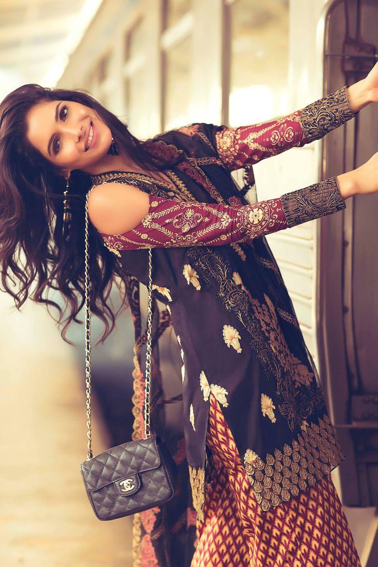 Mina Hasan Eid Collection