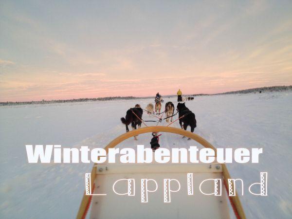 Ganz viel Schnee, Huskys und der Weihnachtsmann. Lappland klingt zu schön um wahr zu sein. http://travelandlipsticks.de/index.php/de/65-reisen/finnland/242-lappland #finnland #lappland