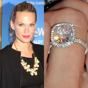 Molly Sims Wears A One Of Kind Lorraine Schwartz Cushion Cut Diamond Halo Ring Husband Scott Stuber Helped With The Design