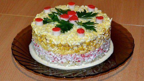Салат ананасовый слоеный на новогодний стол