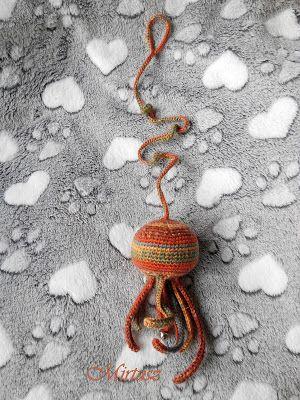 Mirtusz : Medúza cicajáték - kilincsre akasztható, csörgővel