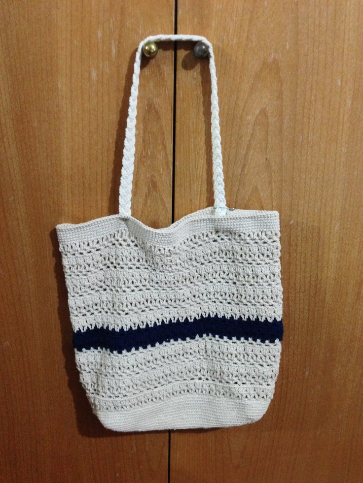 Crochet Work Bags : work-in-progress, matching bag for my crochet hat. Yet to fix the ...