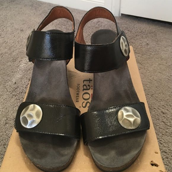 Taos sandals Good condition Taos sandals. Very comfortable and adjustable straps Taos Shoes Wedges