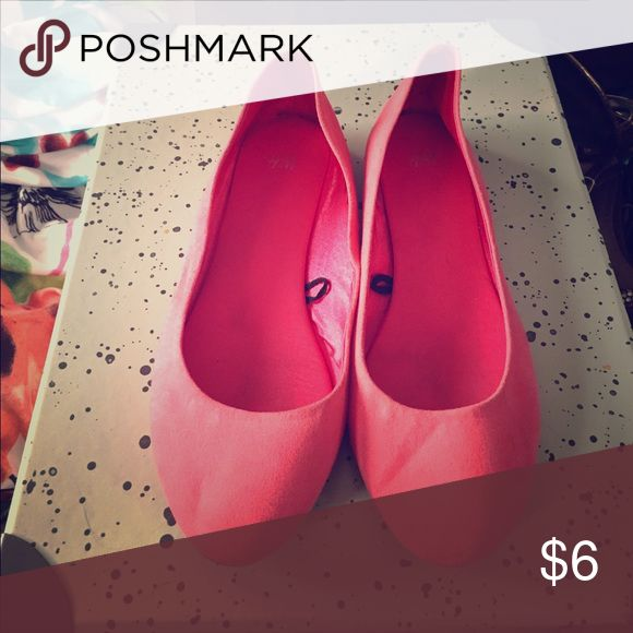 Pink ballet flats Bright ballet flats great for the spring/summer! Shoes Flats & Loafers