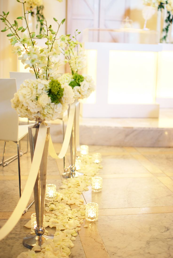 チャペル/バージンロード/花どうらく/ウェディング/会場装花/Party /Wedding/decoration/http://www.hanadouraku.com/