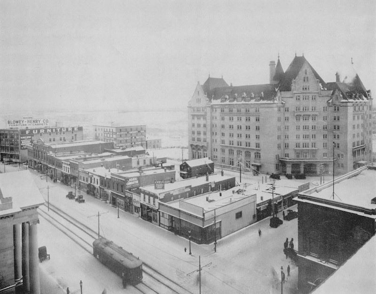 MacDonald Hotel. Image Courtesy of Vintage Edmonton https://www.facebook.com/TheVintageEdmonton