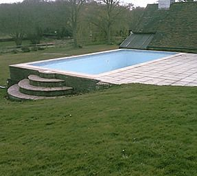 Partially above ground swimming pool - perfect for a lot on a hill in costa rica!