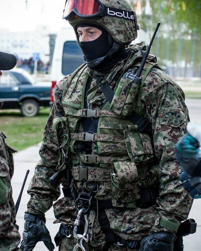 Spetsnaz MVD operator wearing SURPAT.  Спецназ МВД одет в СУРПАТ.  ◾◾◾◾◾◾◾◾◾◾◾◾◾◾ Join the family @globalcombat @european.warfare @military.inst @russia_19the91_motherland @indian_armed_forces @global_military_forces @french_tactical @mighty_serbia @dutch_patriot