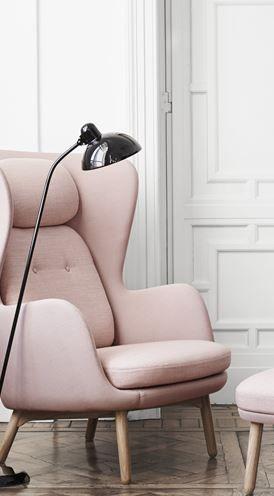 Ro - JH2, Ro lounge chair,wooden base, Single fabric/Leather - Fritz Hansen