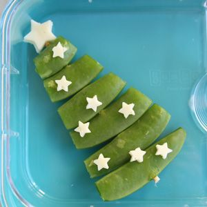 12 Ideas for Fun Christmas Lunches - snap pea Christmas tree