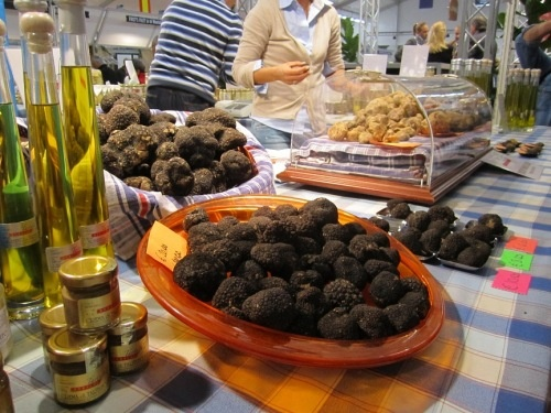 International Truffle Festival in #Alba, #Italy >>> I can't stand truffle but I know it's popular with most people :)