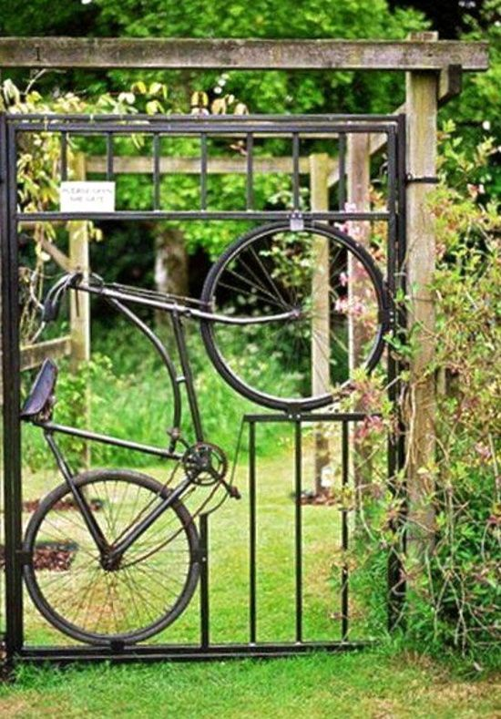 Garden Gate - with a bicycle incorporated into the design, interesting.. http://www.gardenoohlala.com