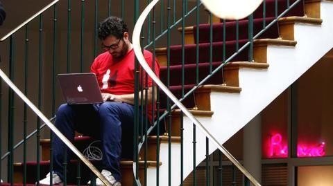 Ultimátum de la AEPD a empresas españolas: prohibido usar Dropbox o Google Apps