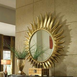 Coloca los espejos a la altura que se reflejen tu cabeza en ellos, si no es así tendrás dolores de cabeza constantes.