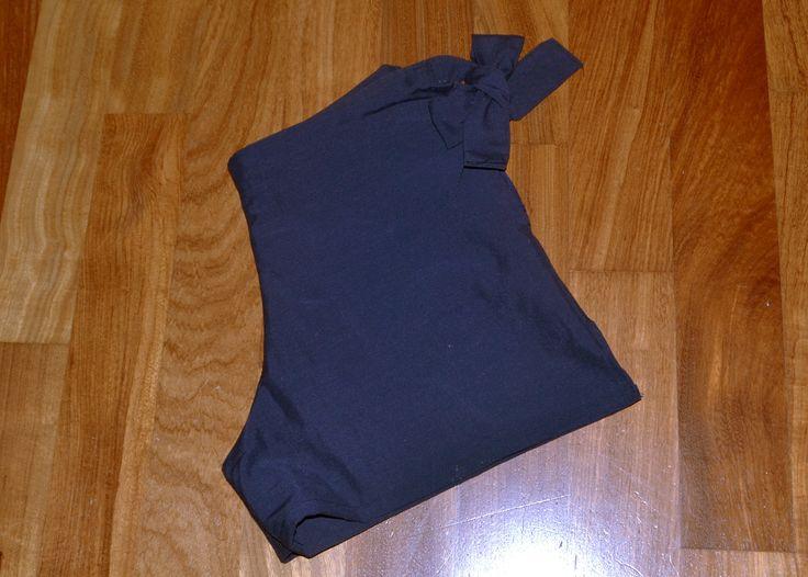 Shorts lampo e fiocco laterale https://frizzantina.wordpress.com/2016/10/05/all-in-one-i-miei-capi-estivi-2-e-3-pantaloncini-my-summer-garments-2-and-3-shorts/