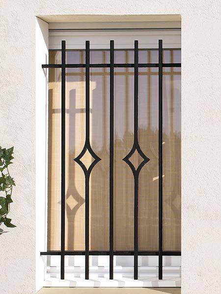 Pi di 25 fantastiche idee su finestre in acciaio su - Parapetto finestra ...