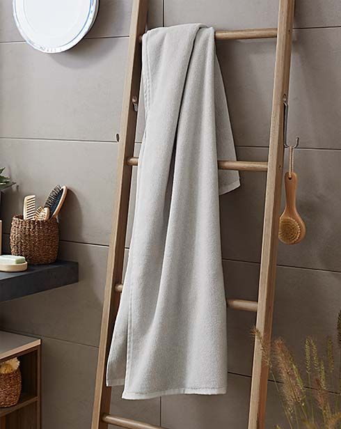 Twoja wymarzona łazienka: http://www.tchibo.pl/meble-do-lazienki-tekstylia-do-lazienki-akcesoria-do-lazienki-t400070408.html