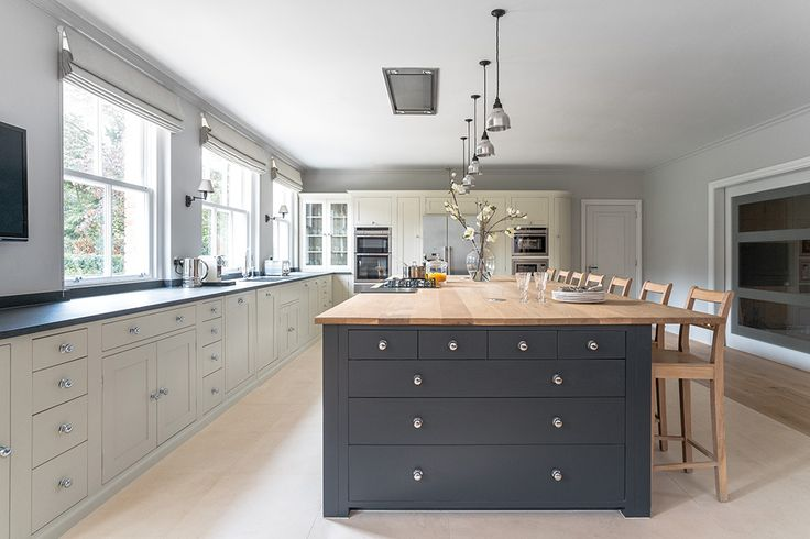 Suffolk kitchen painted in charcoal #neptunekitchen #kitchen #suffolk www.neptune.com