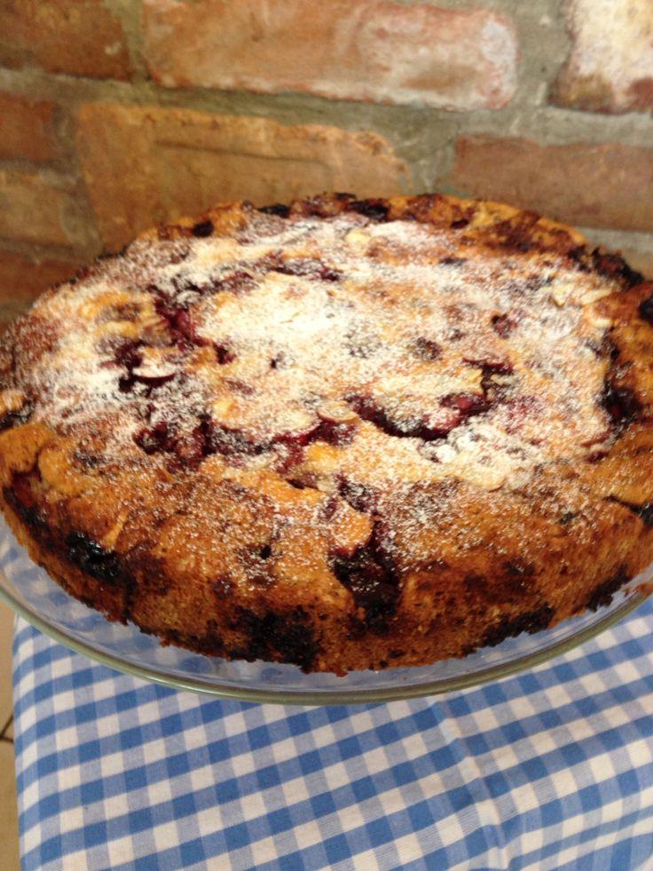 Sour cherry cake