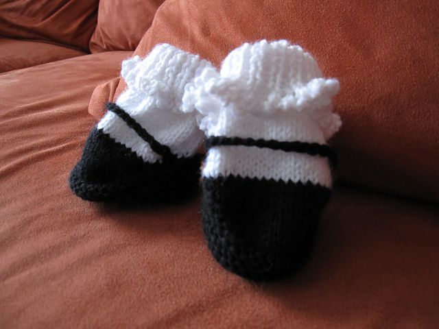 Ravelry: Mary Jane Booties Knitting Pattern pattern by Barbara Breiter free pattern