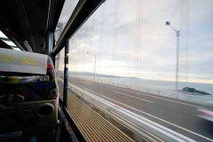 瀬戸内クルージングバスセット券を利用して大阪から高松観光を楽しむ弾丸旅行に行ってきたよ 利用したのはフットバス(安全運転だけどね) 座席は4列シートですが座ってみると前の座席との間隔もしっかり確保されていてとても快適 高松と大阪を結ぶフットバスの車窓の醍醐味は鳴門と淡路島をつなぐ大鳴門橋 座席は窓側を指定しておけば四国らしい風景が楽しめるバスなんだ  tags[高知県]