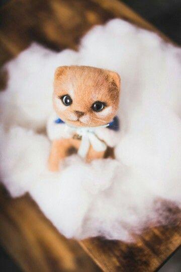Cat, felt wool