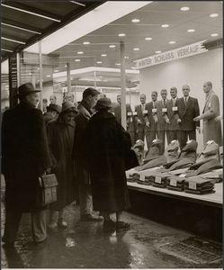 [Window shoppers]; Paul Wolff (German, 1887 - 1951), Dr. Wolff & Tritschler OHG (German, 1927 - 1963); Germany; 1940 - 1949; Gelatin silver print; 21.5 x 17.9 cm (8 7/16 x 7 1/16 in.); 84.XM.139.201; Copyright: © Dr. Paul Wolff & Tritschler, Historiches Bildarchive