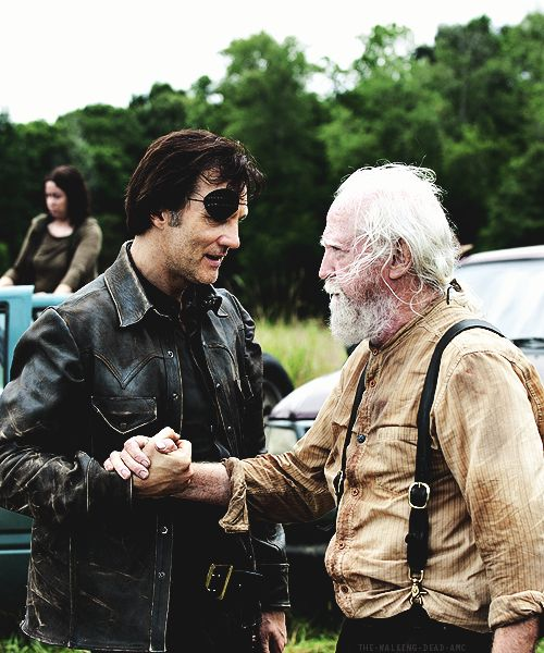 "David Morrissey & Scott Wilson on set of 4x08 ""Too Far Gone"""