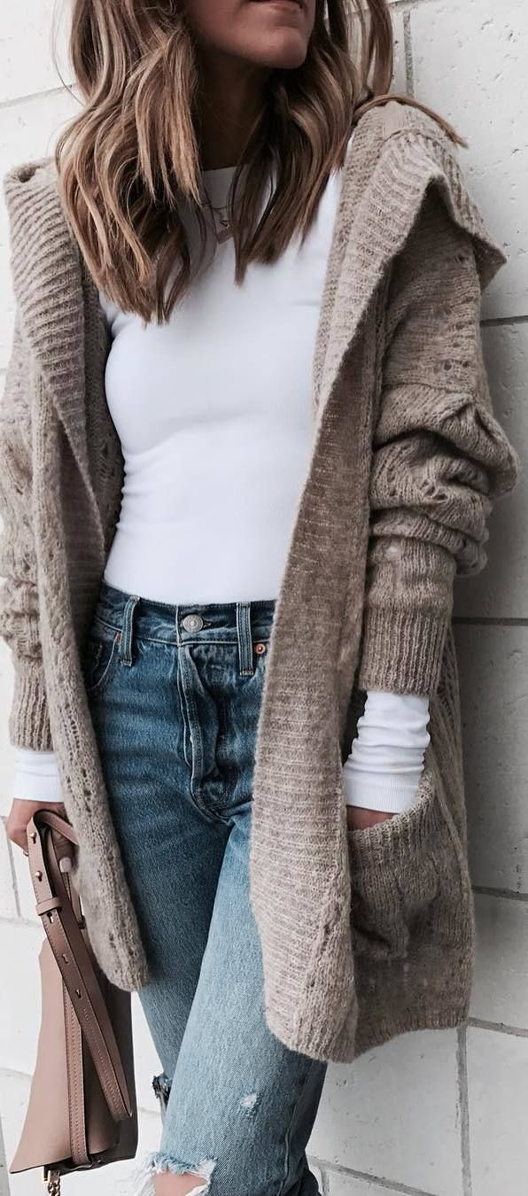 #winter #outfits white shirt, jeans, beige cardigan #jeansoutfit