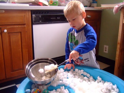 Busy Toddler: Sand and Water Table....Minus the Sand and Water