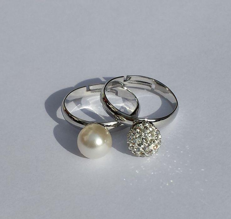 Coppia Anelli con perla bianca e perla pavè di cristalli, by Barbara Creations, 16,50 € su misshobby.com
