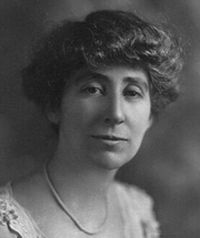 Profile of 1st woman elected to congress Jeannette Rankin with biographical facts, historical events and Jeannette Rankin's married life.