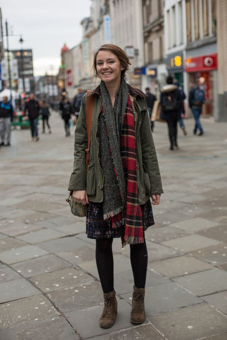 We spotted Katriona in her Barbour Wax Jacket - styled with her Barbour Bag & oversized scarf!