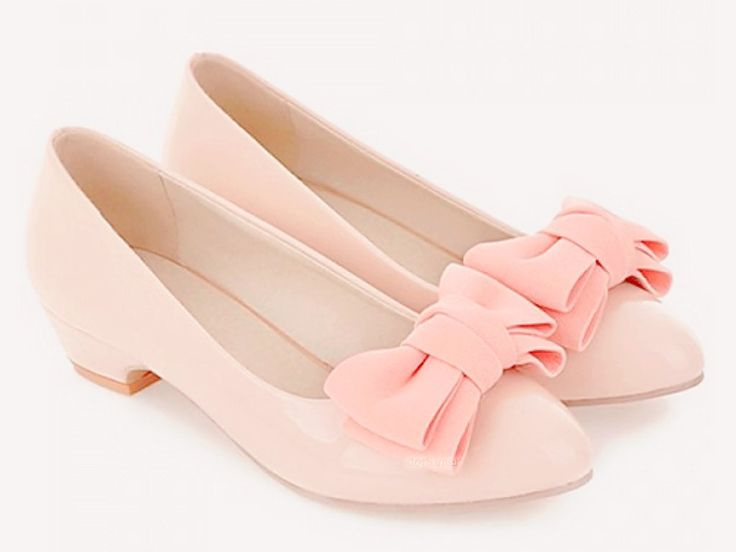 Stunning 33 Eye-Catching Outfits With Pink Flat Shoes from https://www.fashionetter.com/2017/04/12/eye-catching-outfits-with-pink-flat-shoes/