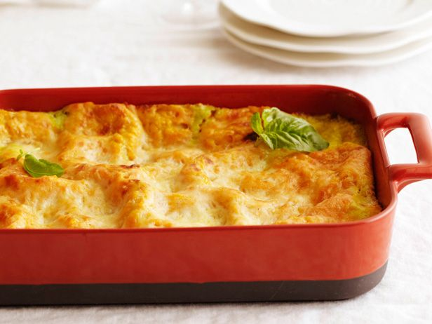Butternut Squash Lasagna : Turn a traditional Thanksgiving vegetable, baked squash, into an Italian-inspired lasagna with creamy bechamel sauce.