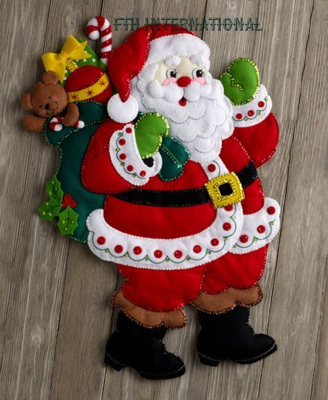 Bucilla Here Comes Santa ~ Felt Christmas Wall Hanging Kit #86737, Toys, 2016