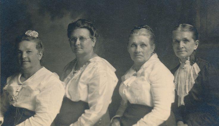 Polacek sisters