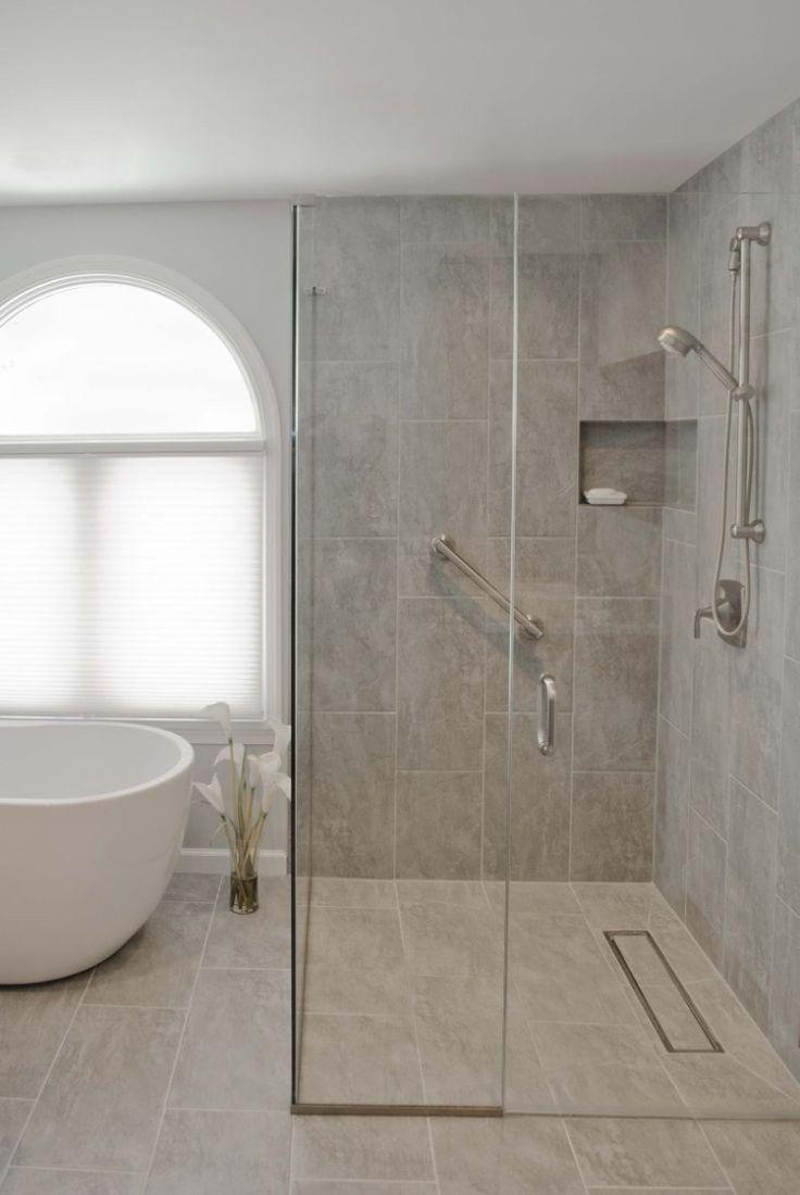 Douche italienne avec paroi acc s d 39 angle et baignoire lot idee maison pinterest - Baignoire douche design ...