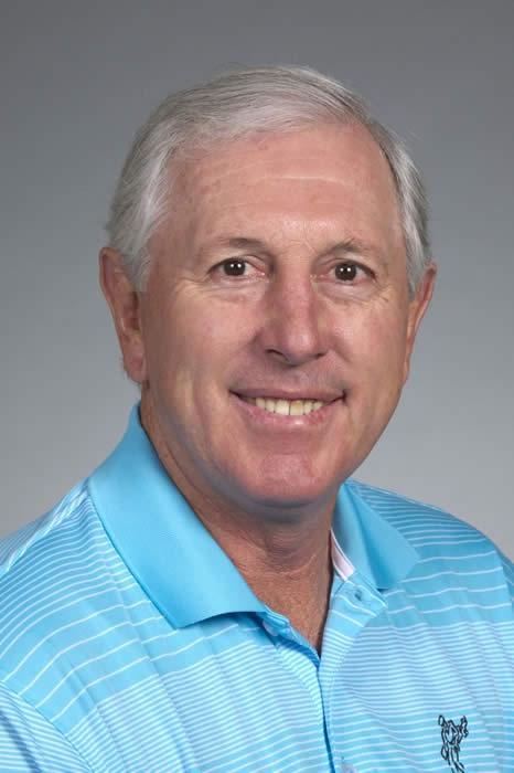 Hale Irwin (5) majors total : U.S Open (1974,1979,1990) South Africa PGA (1978) Australia PGA (1978).