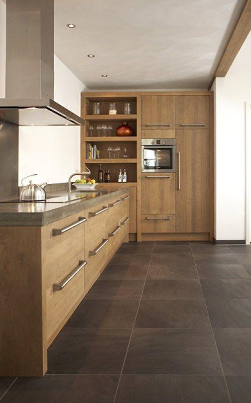 Een keuken op maat die compleet aansluit bij uw wensen? Bij Keukenstudio Maassluis bent u aan het juiste adres voor een handgemaakte keuken ✔ Hollands Maatwerk ✔ Keuken op maat