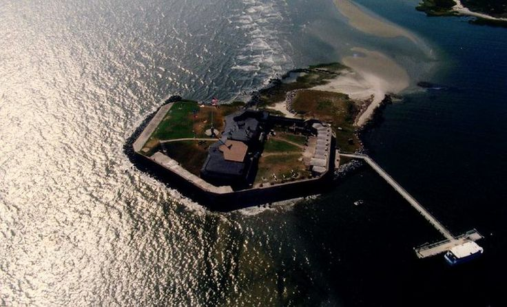 Fort Sumter the Charleston Battery | ... Hip to be in Charleston | Things to Do in Charleston SC - Traveler Mag