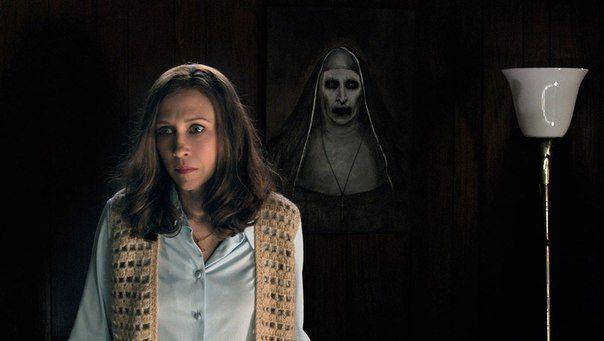 Спин-офф фильма ужасов «Заклятие 2» Джеймса Вана под названием «Монахиня» обзавелся режиссером.