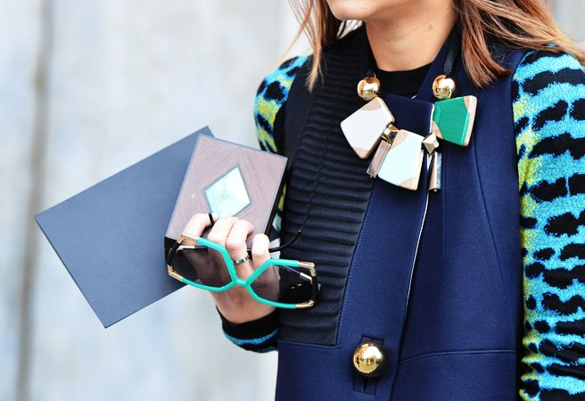 Tommy Ton: Shades, Colors Combos, Statement Necklaces, Details, Blue, Fashion Week, Street Styles, Statementnecklac, Accessories