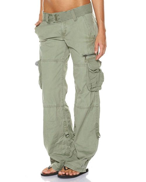 Features:Womens Cargo PantsColour: ArmyMade from 100% cotton canvas Relaxed leg Hipster waist Large cargo pockets with self colour buttons Button and fly front Size Guide:Relaxed leg Cargo Pants Models height 177cm Model is wearing a size Over sized fit, we recommend buying one size down from your usual fitAbout Rusty:Rusty is keeping core surf alive. Sponsoring some of the worlds best surfers and offering a huge range of surfboards, apparel and clothing, Rusty keeps its ears and eyes close…
