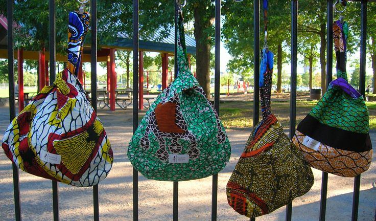 Reversible knot bags.
