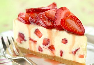 yummy strawberry cheesecake recipe for the perfect summer cake
