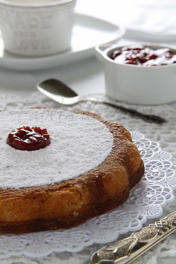 Questa torta alla confettura avrà ogni volta un sapore diverso a seconda del gusto che sceglierete. ma sarà sempre sofficissima e buonissima, andrà a ruba..