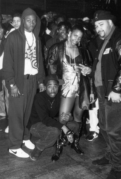 Tuffy of Video Music Box, Tupac and Omar Epps on the set of 'Juice' (1992)
